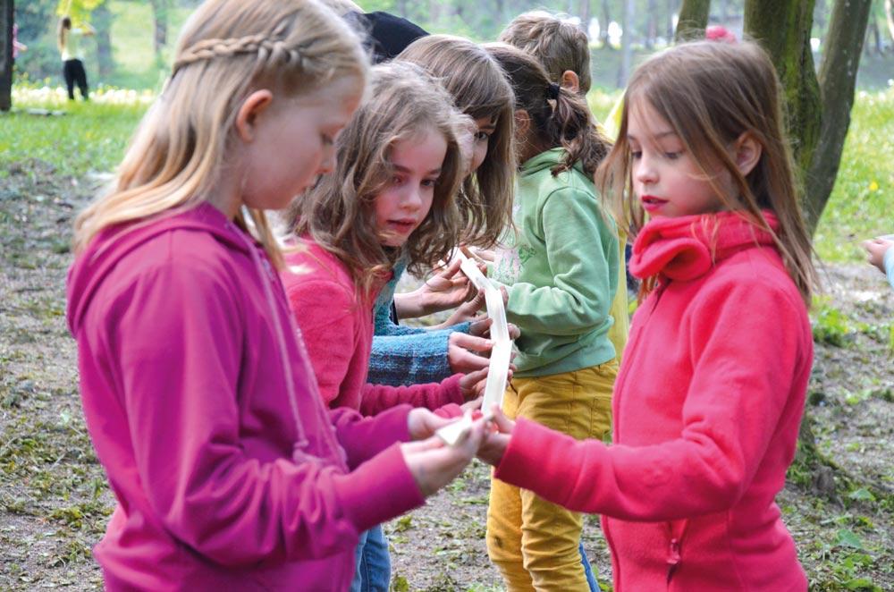 aktivwoche kinder schueler spielen murmelreise projektwoche projekttage klassenfahrt schullandwoche