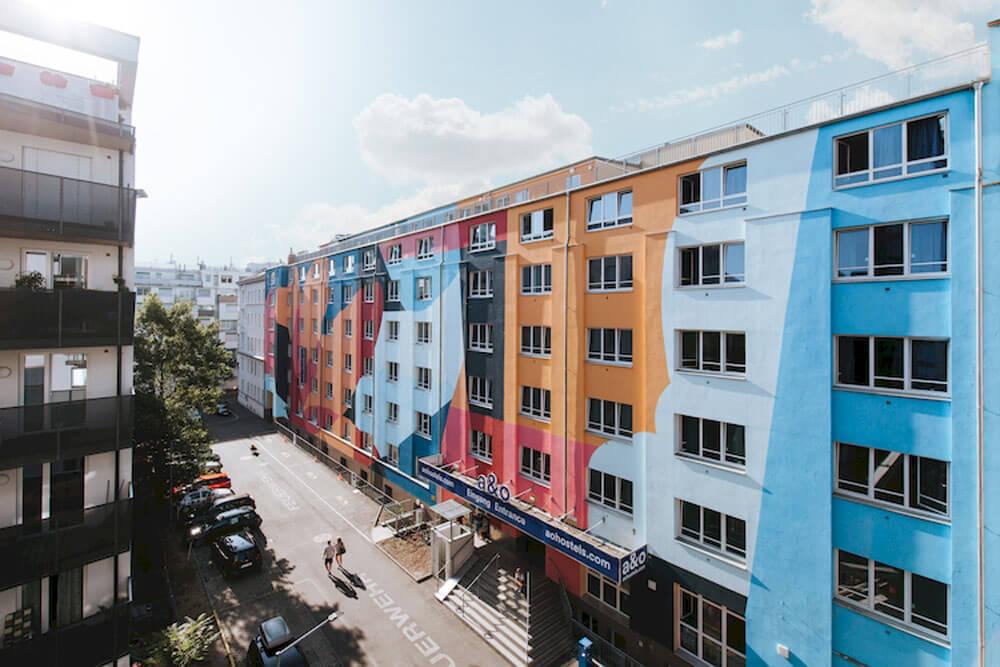 awh wien ao hostel hauptbahnhof aussen fassade projektwoche klassenfahrt staedtreise